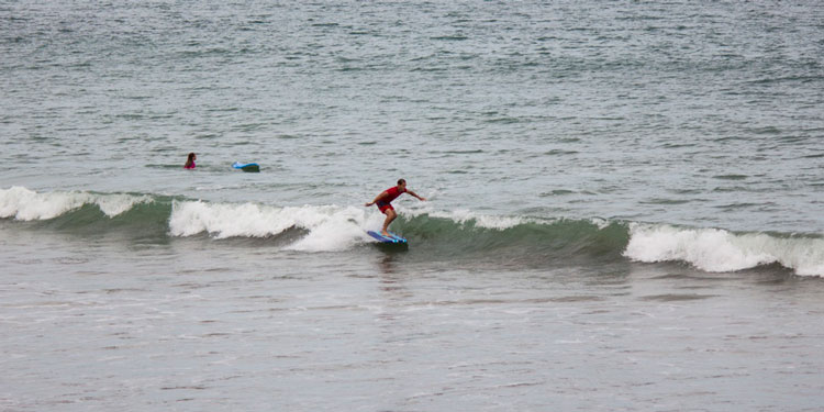 Surfing in Panama with Panama Surf School – See Video