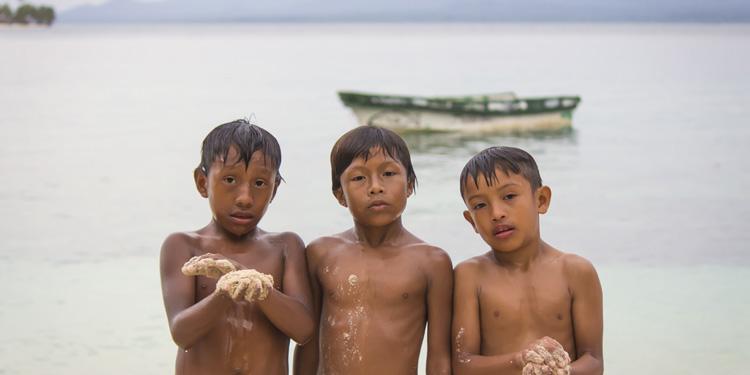 Snorkelling in the San Blas Islands of Panama – Watch Video
