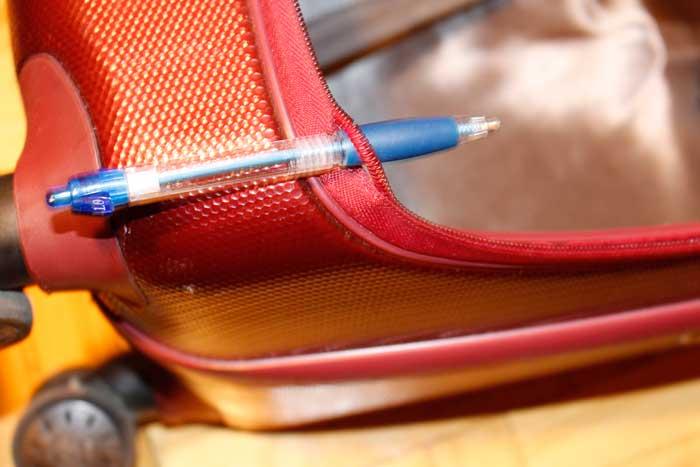 "Zipper Rip #2 30"" Heys Portal Smart Luggage"