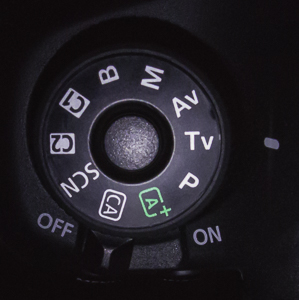 canon 6d camera dial set to shutter priority