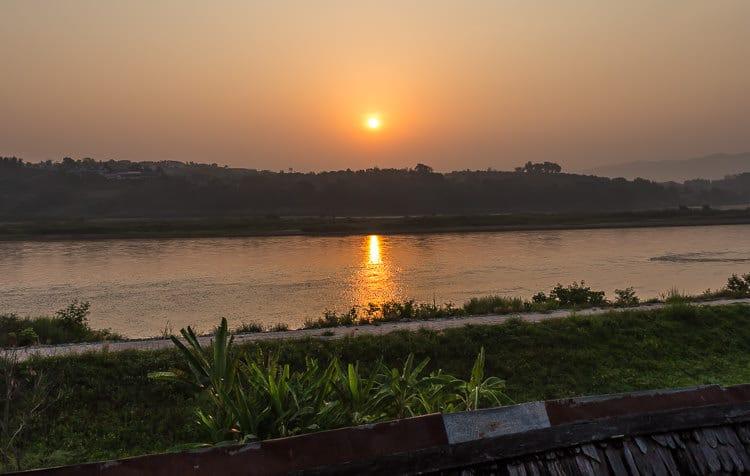 Chiang Khong and Huay Xai sunrise