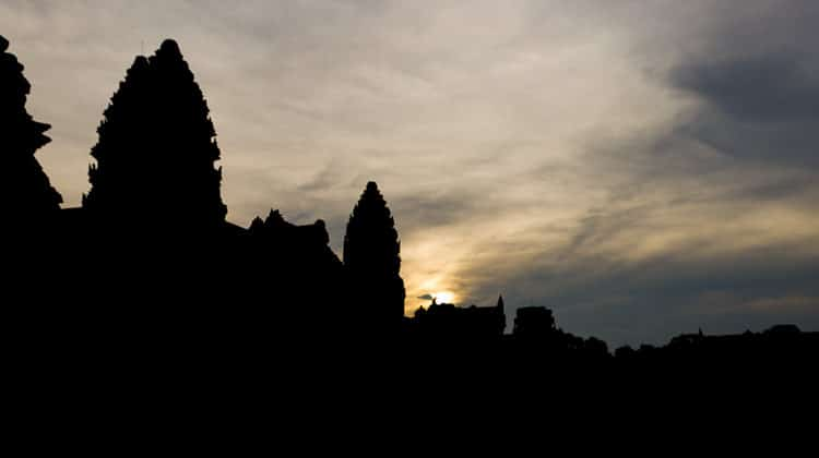 How Not to Visit Angkor Wat – Avoid the Crowds and Save Money