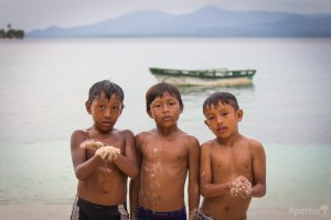 kuna tribe chilren san blas islands