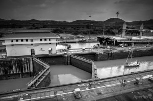 miraflores dock panama canal